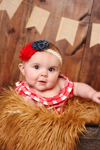 6 Months and growing too fast! | Manitowoc Childrens Photographer