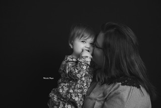 Mommy and Me Snuggle Session | Manitowoc Family Photographer