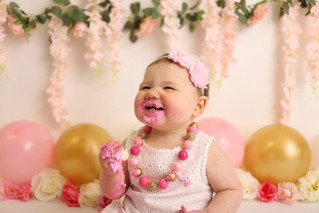 Frosting, cake, so much fun! | Manitowoc Childrens Photographer