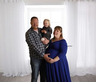 Winter Studio Maternity | Manitowoc Family Photographer