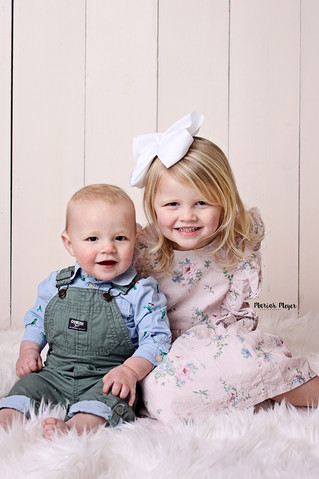 Siblings | Easter 2020 | Manitowoc Childrens Photographer
