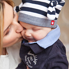 baby-baby-with-mom-mother-kiss-tendernes
