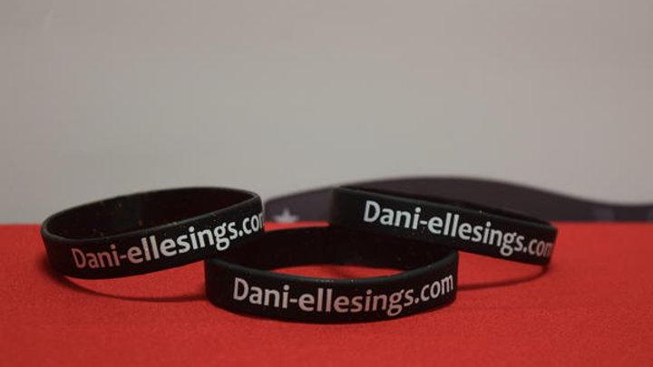Dani-elle Black Sparkle Wrist Band