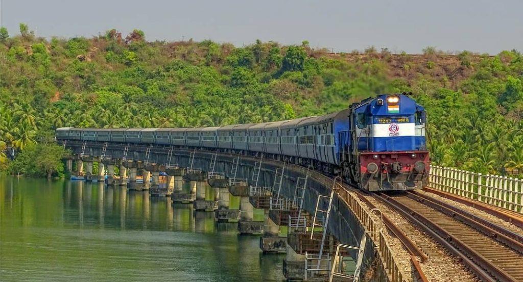 mumbai-csmt-mangaluru-jn-super-fast-expr