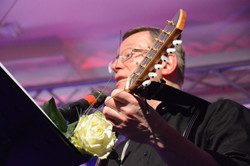 Master of 12 strings
