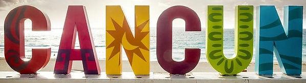 cancun-en-playa-delfines-900x600 editado