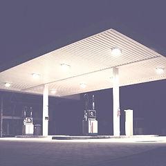 light-dark-ceiling-gas-station-petrol-st