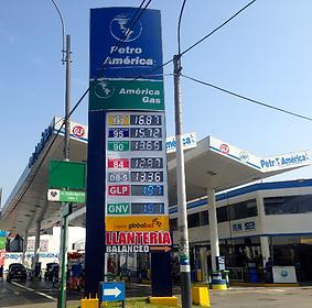 Totem Petroamerica Aviacion_edited.png