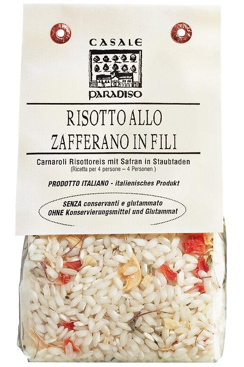 Risotto allo zafferano in fili CASALE PARADISO, ITALIEN  mit Safranfäden