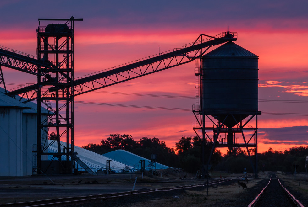 Train Track Sunset (1 of 3).jpg