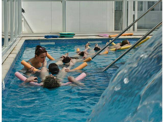 Pourquoi une Préparation à la Naissance et à la Parentalité (PNP) en piscine ?
