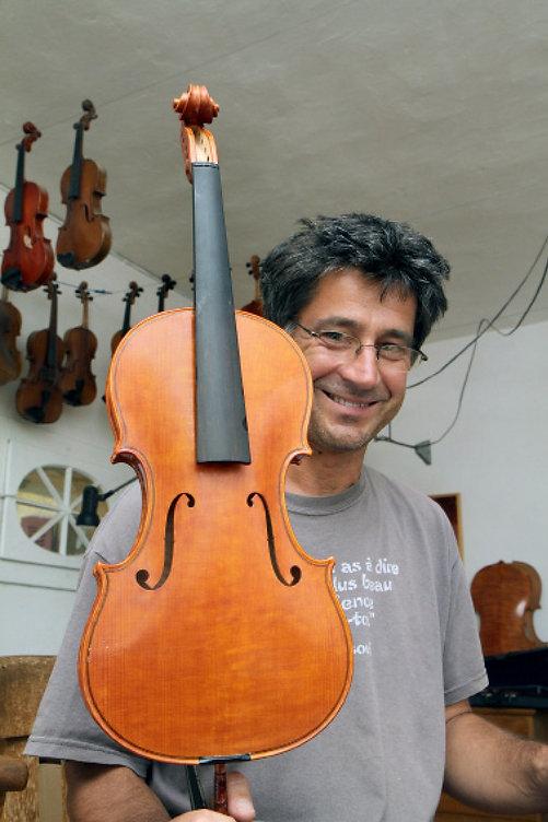 Pierre Louis luthier suisse violon