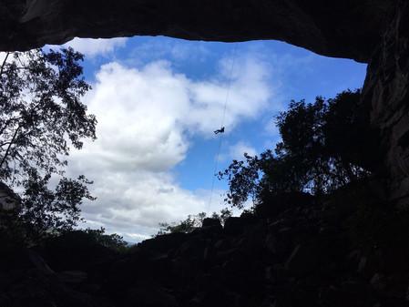 Rappelling - Lapão Cave