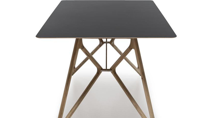 Boston Dark Table