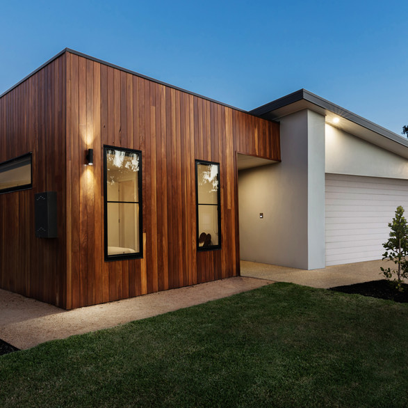 WOODEN HOUSE BUILDS