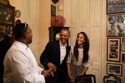 Obamas at San Cristobal