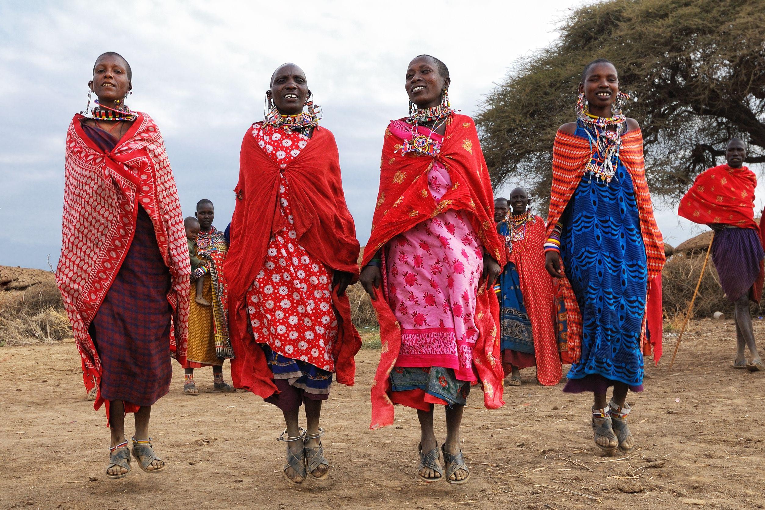 Massai women dancers