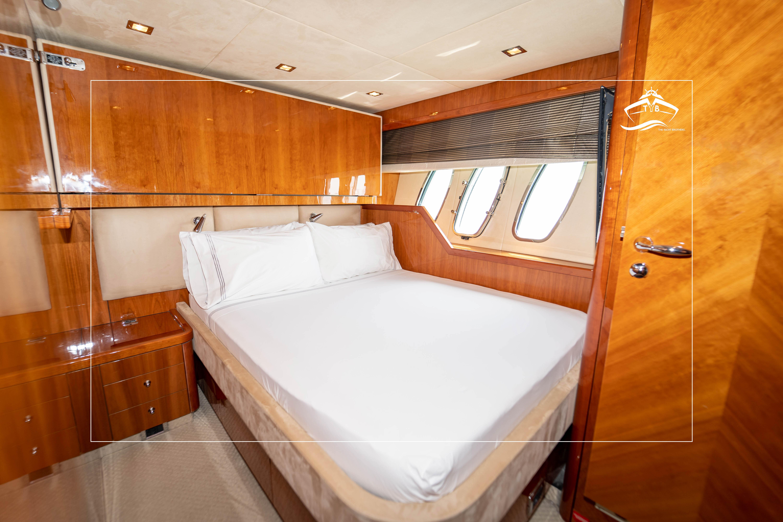 Port VIP Cabin
