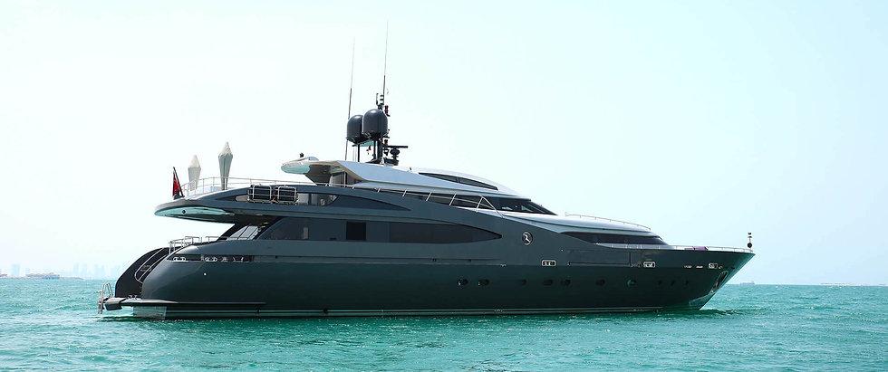 babylon-yacht-rental-1_edited.jpg