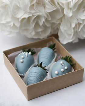 wedding-chocolate-strawberries-for-guest