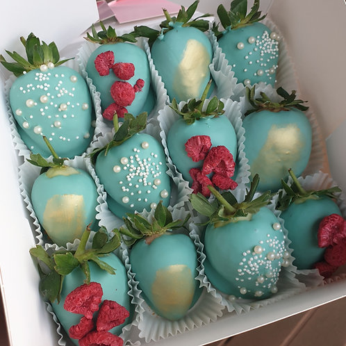 Tiffany blue chocolate strawberries