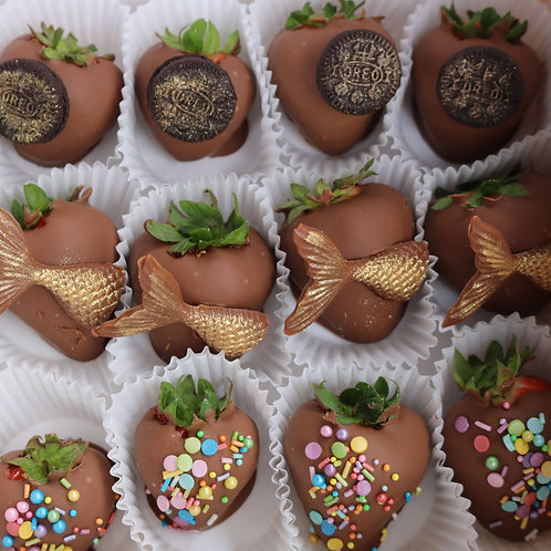 Mermaid inspired chocolate strawberries