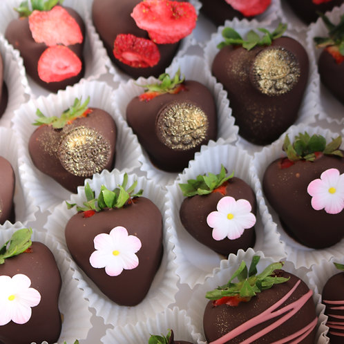 12 strawberries | Design will vary