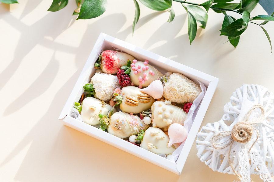 chocolate-covered-strawberries-for-weddi