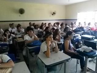 EDUCAVIDA REALIZA PALESTRA NA ESCOLA MANOEL BORBA