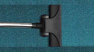 vacuum-cleaner-268179.jpg