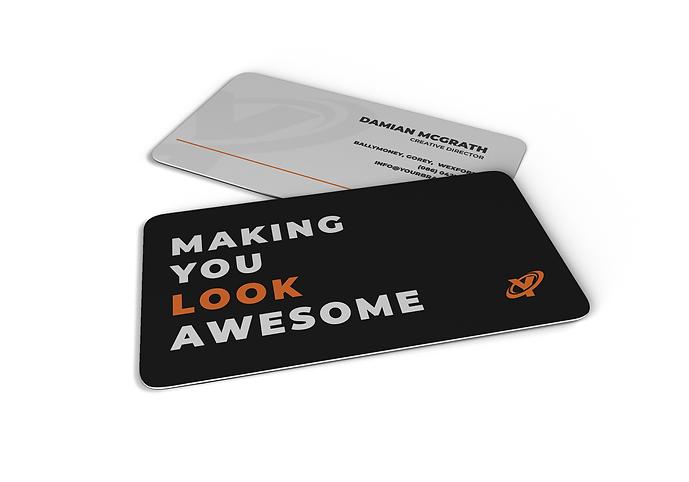 05_business-card-mockup.png