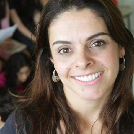 A atriz Mareliz Rodrigues retorna à Barra com o musical Salada de Fábulas