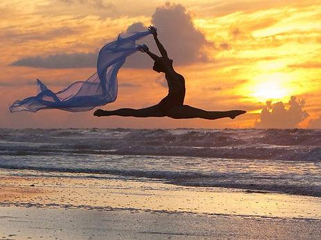 dancer-leap-beach.jpg