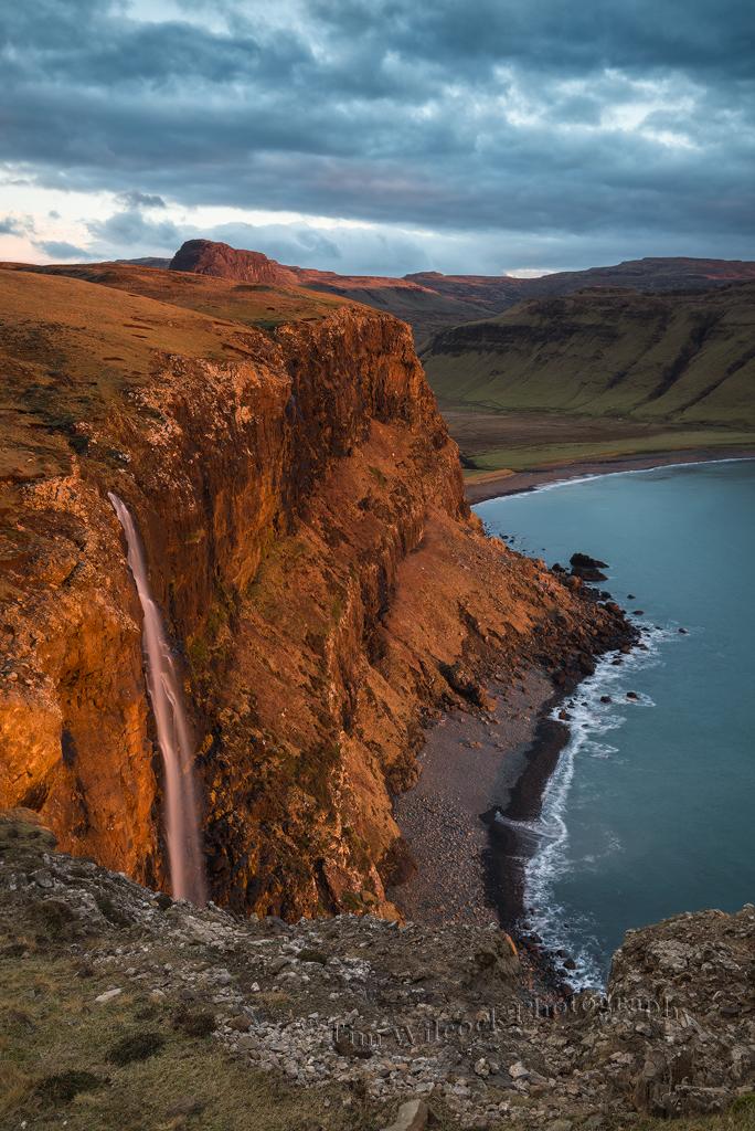 Glowing-cliffs-of-Talisker