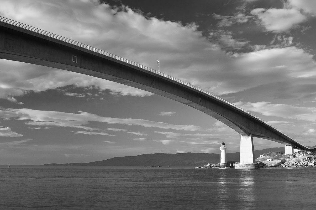 Skye Bridge B&W
