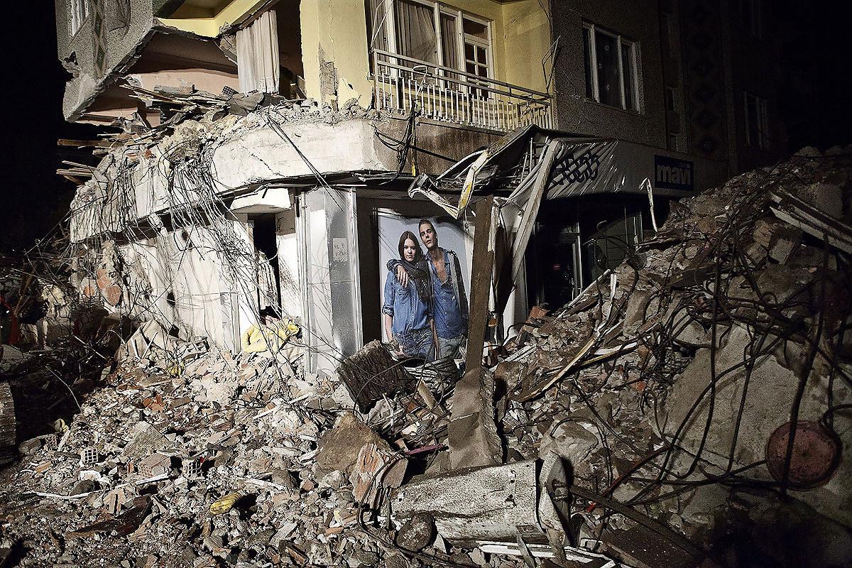 Van_Earthquake_24.JPG