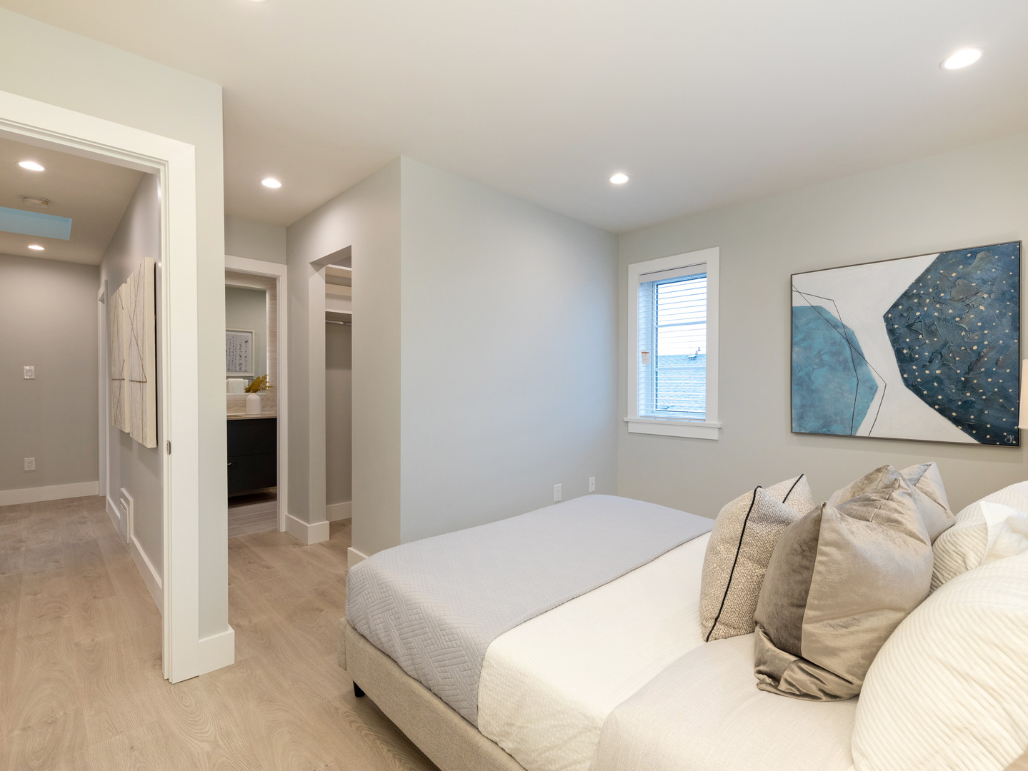 Master Bedroom in Villa Bleu Townhome