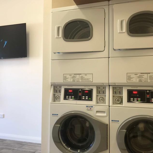 Broome Laundromat TV1.jpg