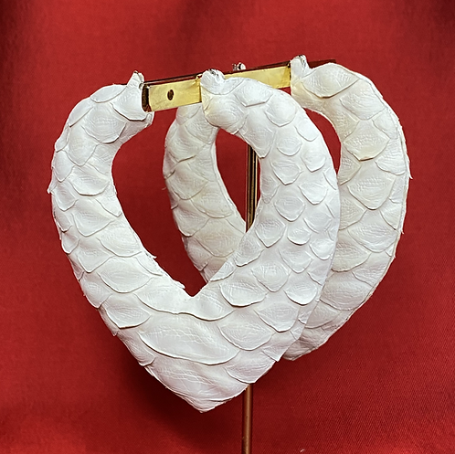 WINTER WHITE 'SPREAD LOVE' HEART BAMBOOS