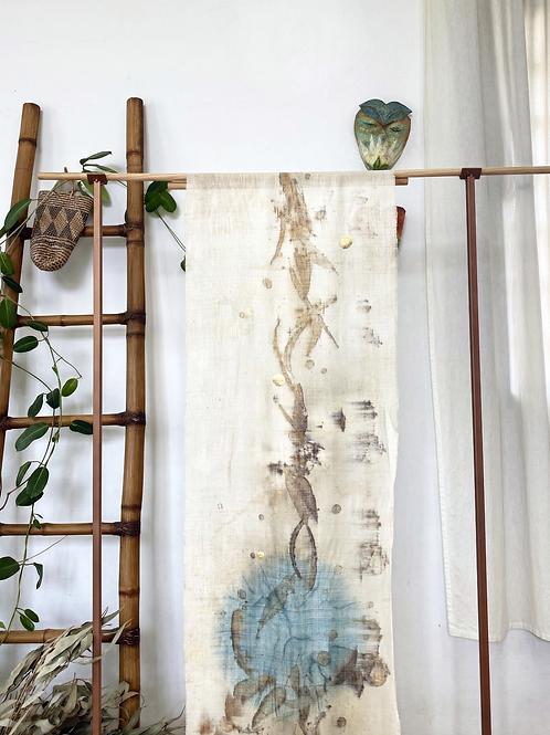 Impr. botânica + indigo +detalhe folha de ouro