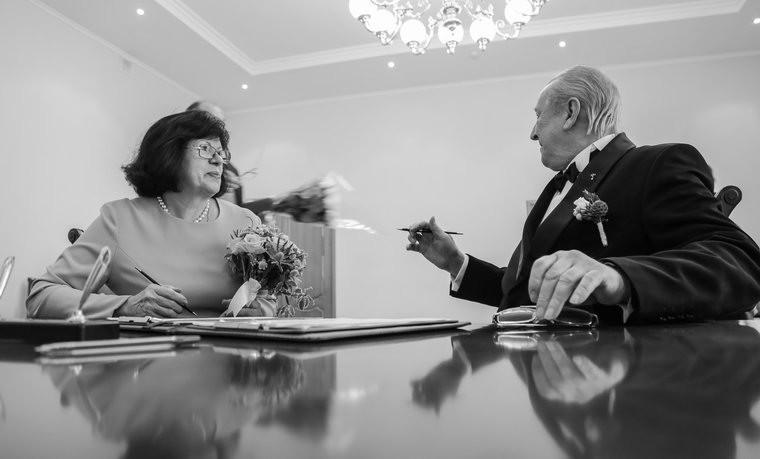"""""""Как Оля женила папу и маму"""""""