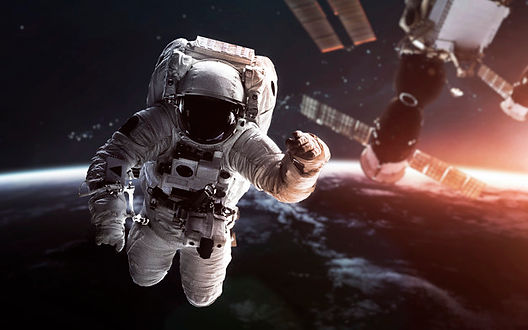 astronauta-orbita-tierra-estacion-espaci