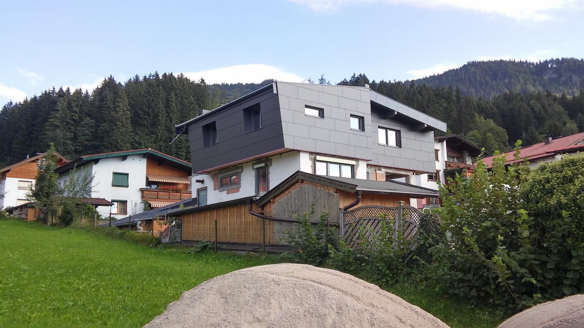 moderne Wohnhausaufstockung