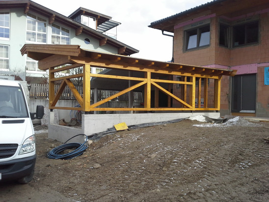 Wohnhaus Neubau mit Carport