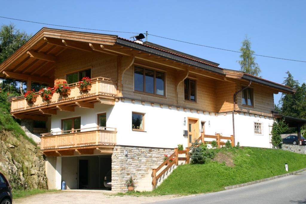 Wohnhaus Blockhaus Massivhaus Kombination