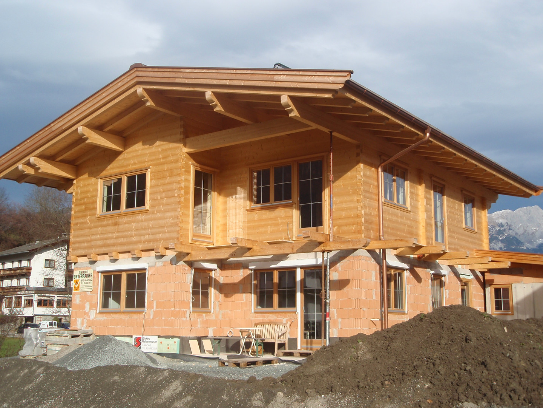 Blockhaus- Massivhaus Kombination