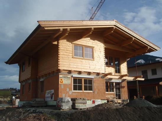 Blockhaus- Massivhauskombination