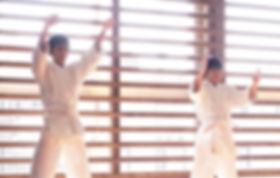小学生の稽古(少年部)_呼吸法の稽古をする小学生_@目黒区立中央体育館武道場(武蔵小山)