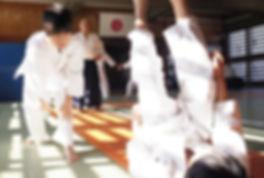 小学生の稽古(少年部)_四方投げの稽古をする小学生@目黒区立中央体育館武道場(武蔵小山)