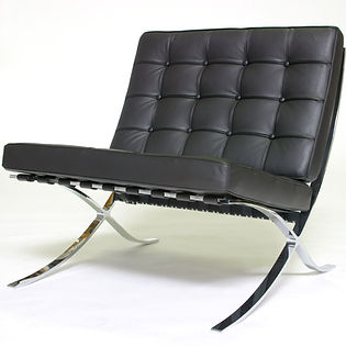 Mies-van-der-Rohe-Barcelona-Chair.JPG